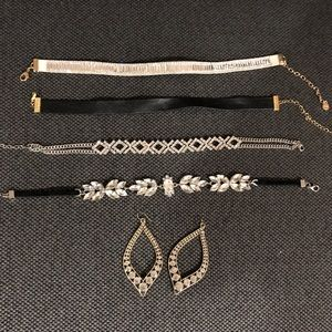 Jewelry - Choker bundle and a pair of earnings